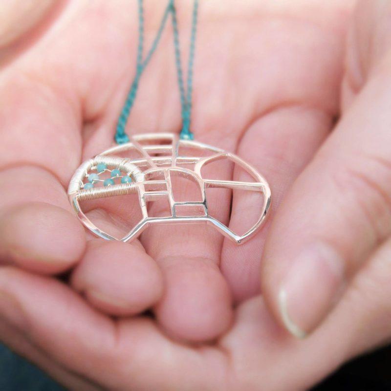 Autorský náhrdelník inspirovaný architekturou ze stříbra Ag 925/1000 vyplétaný amazonity