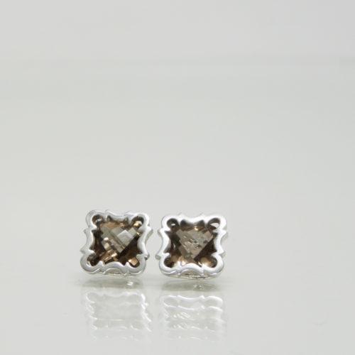 Autorské stříbrné puzetové naušnice s broušenou záhnědou dle výběru inspirované pohledy vzhůru v atriích a meziblocích